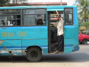 Jatuh dari bus